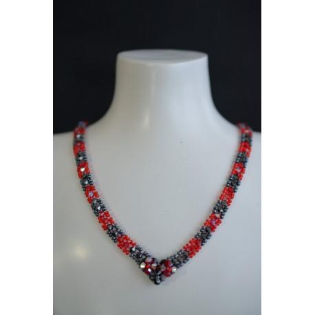 """Collier """"En rouge et Noir"""" en cristal de Swarovski light siam ab et hématite 2x"""