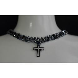 Ras le cou en cristal de Swarovski couleur hématite 2x avec pendentif croix