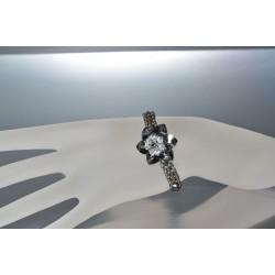 Bracelet cristal de Swarovski fleur crystal silver night avec centre cristal moonlight