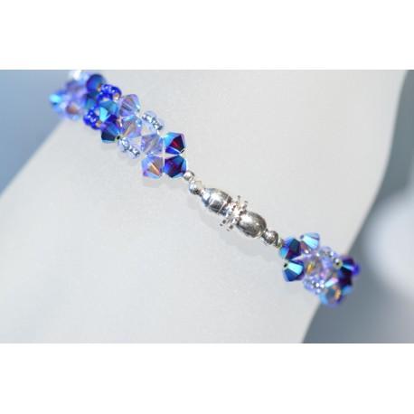 Bracelet cristal Swarovski garnet ab2x et tanzanite ab2x avec fermoir aimanté.