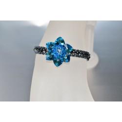 Bracelet cristal de Swarovski fleur bermuda blue et tour hématite 2x